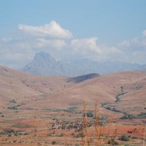 Antsirabe to Isalo – deepermadagascar