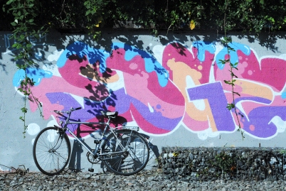 graffiti on the Limmat bank